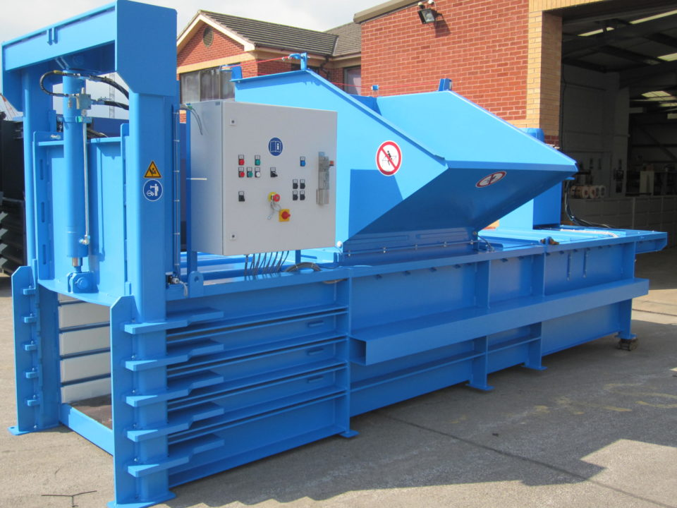 Packaging waste closed end baler